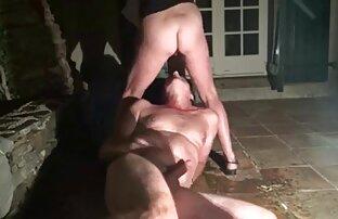 Schwarzer Mann knallt eine Schauspielerin in den Arsch und Cumshot in den sex mit reifen damen Mund