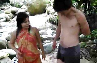 Junge Mädchen spielen mit einem reifer mann sex Schwanz,