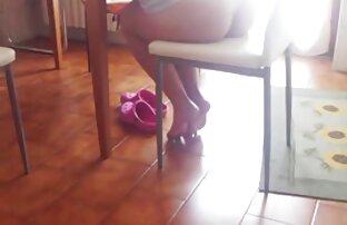 Sunny Leone, Brünette, Schwanz streicheln in einer reife sexy weiber Wohnung