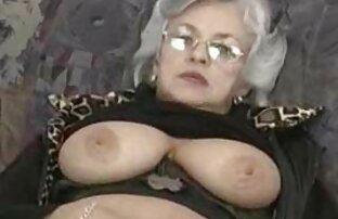Kerl zwei schwarze reife geile putzfrauen Frau in seinem penis