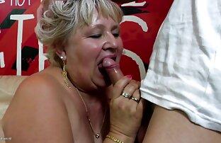Reife Blondine mit Schmuck am Hals, reife paare beim partnertausch lass uns die Sexmaschine genießen